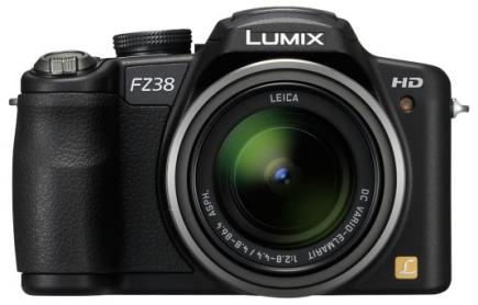panasonic lumix dmc fz38 fronte con flash