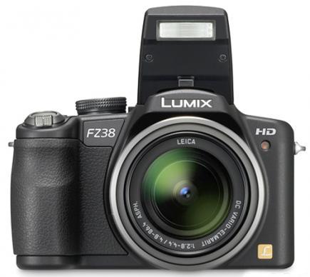 panasonic lumix dmc fz38 3/4 con obiettivo