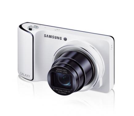 Samsung GALAXY Camera: vista 3/4 frontale sinistra