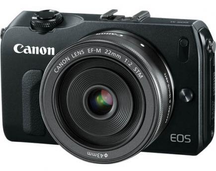 Canon EOS M: vista 3/4 frontale black