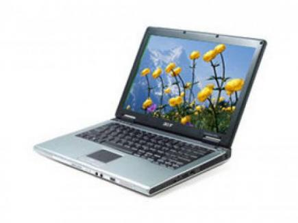 acer aspire 9300 visione laterale