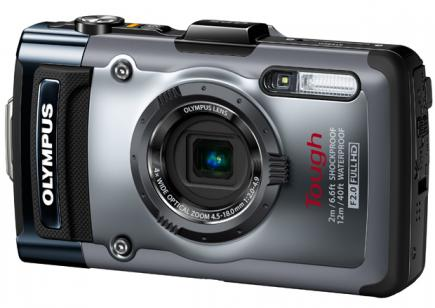 Olympus Tough TG-1: vista 3/4 frontale