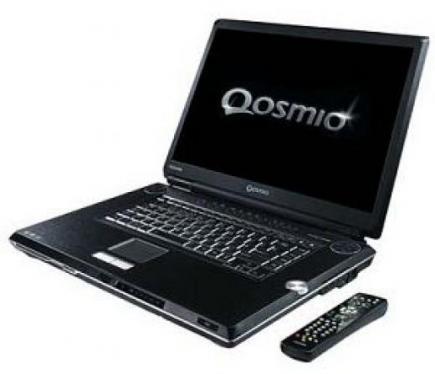 Il Toshiba Qosmio G30 con il suo telecomando