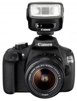 canon eos 1200d fronte con flash